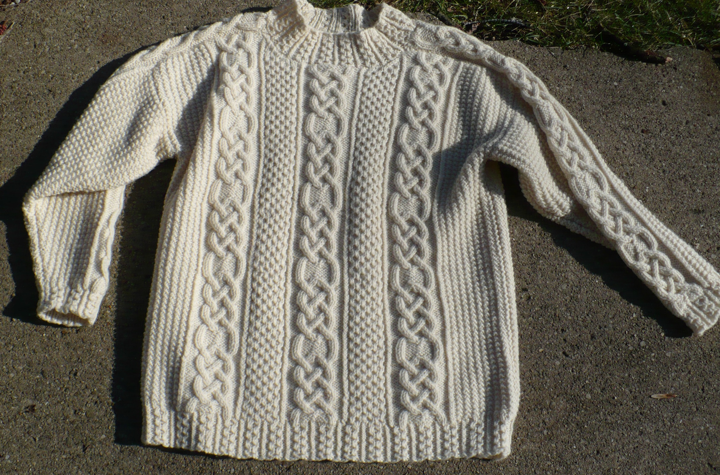 Fisherman Knit Sweater Pattern : Handmade Irish Fishermans Sweater