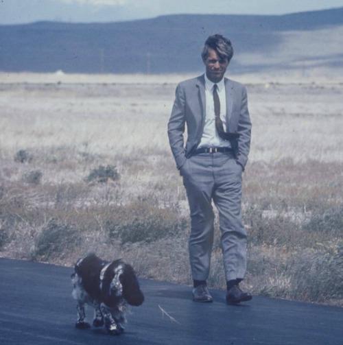 Ο Δημοκρατικός υποψήφιος και ο σκύλος του....