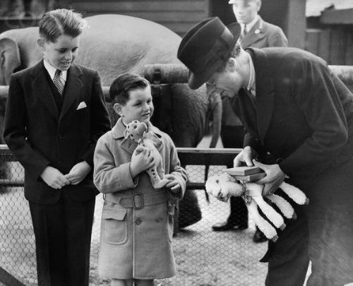 Edward and Robert Kennedy at Zoo 1938