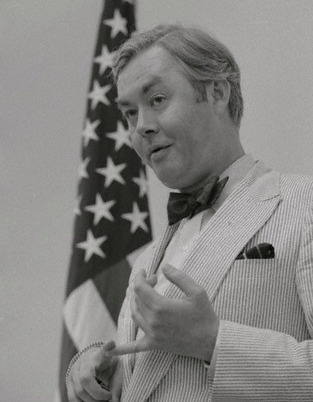 Moynihan in Seersucker