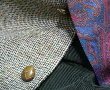 Tweed & Paisley close-up
