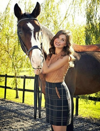 Trad GF in Skirt with Horse