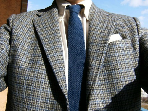 Houndstooth sack sport coat
