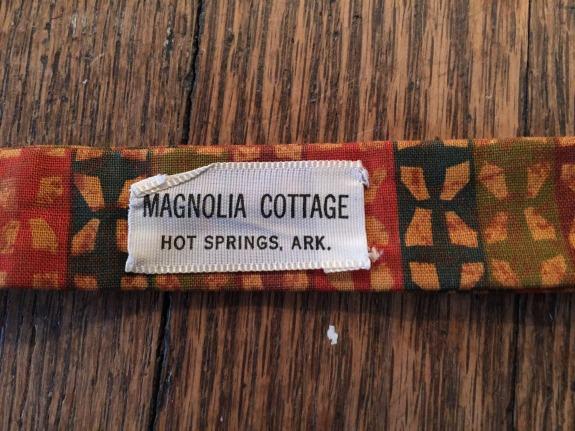 MAGNOLIA COTTAGE Bow Tie Label